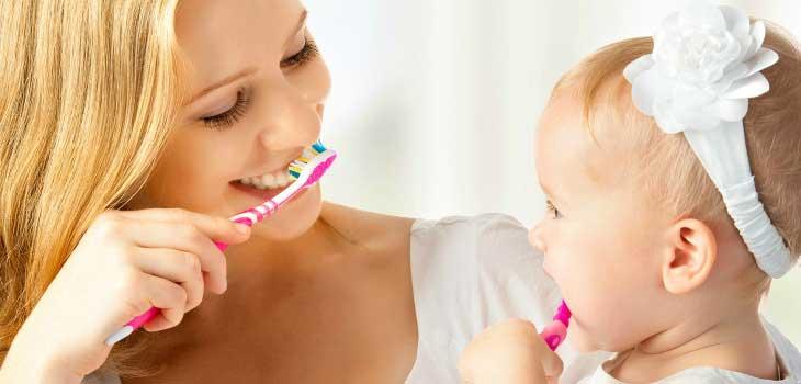Чистим зубы вместе