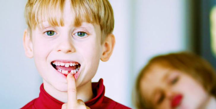 Причины и лечение кровоточивости десен у ребенка
