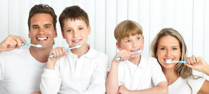 Зачем нужно и почему так важно чистить зубы?
