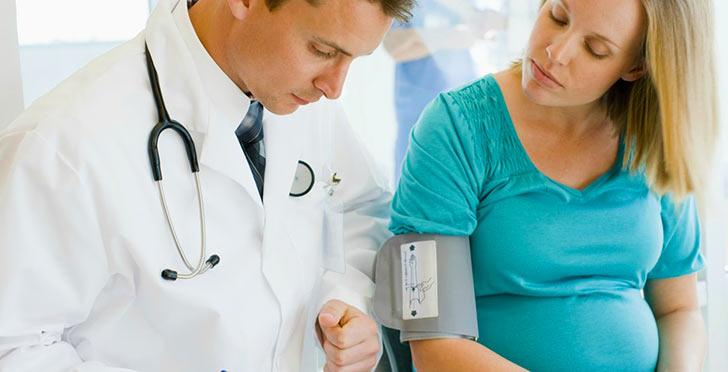 Что делать при кровоточивости десен у беременной?