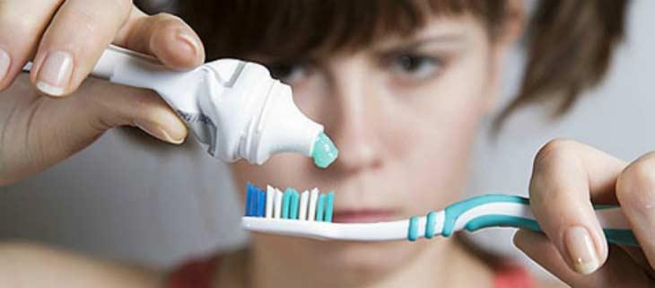 Сколько раз в день надо чистить зубы и сколько на это необходимо тратить времени?