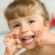 Уход зубов у детей