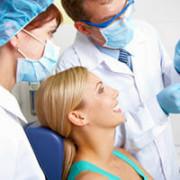 Беременная женщина у дантиста