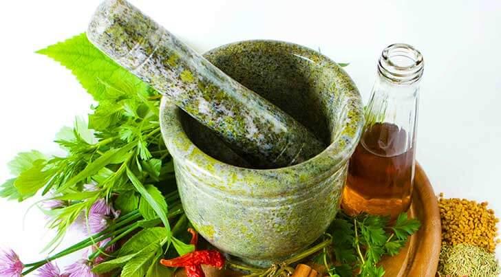 Народные рецепты и средства при кровоточивости дёсен — рекомендации врачей!